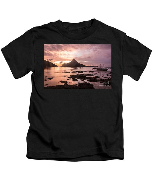 Sunset Over El Nido Bay In Palawan In The Philippines Kids T-Shirt
