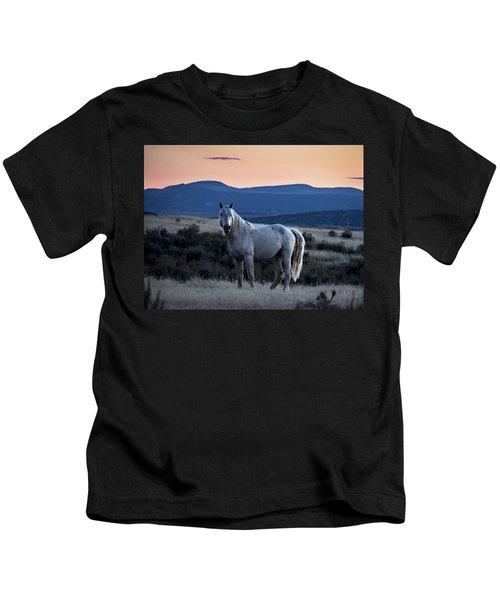 Sunset With Wild Stallion Tripod In Sand Wash Basin Kids T-Shirt