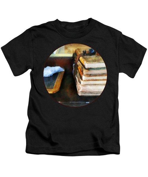 Teacher - Old School Books And Slate Kids T-Shirt
