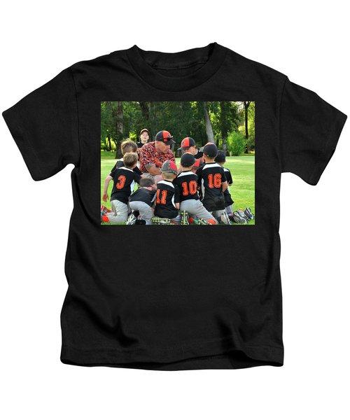 Team Meeting 9737 Kids T-Shirt