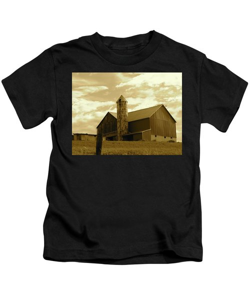 The Amish Silo Barn Kids T-Shirt