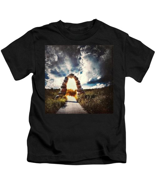 The Arch On The Edge Of Forever Kids T-Shirt
