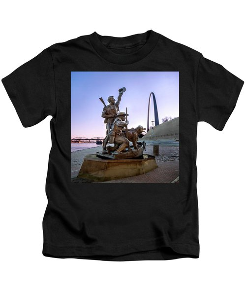 The Captain Returns With Arch Kids T-Shirt