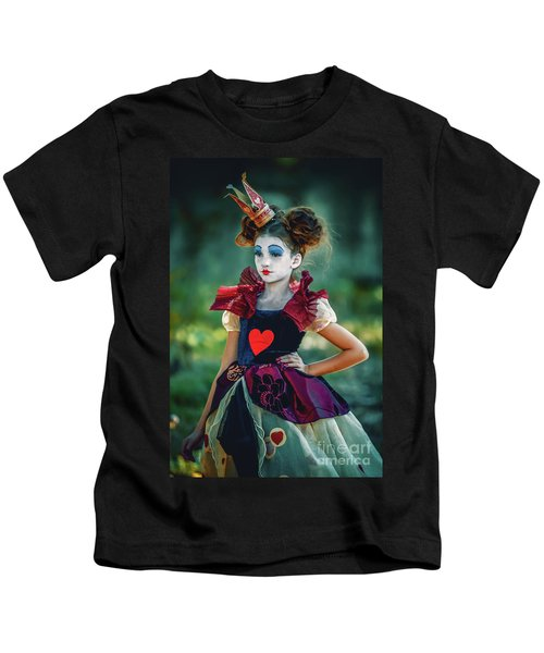 The Queen Of Hearts Alice In Wonderland Kids T-Shirt