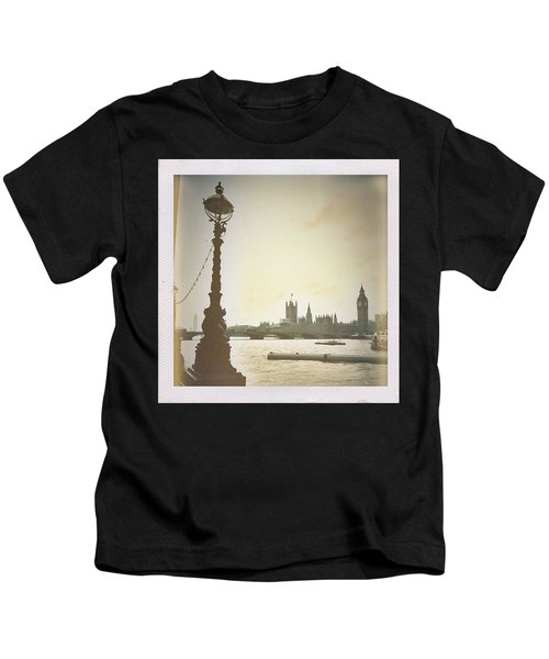 The River Thames  Kids T-Shirt