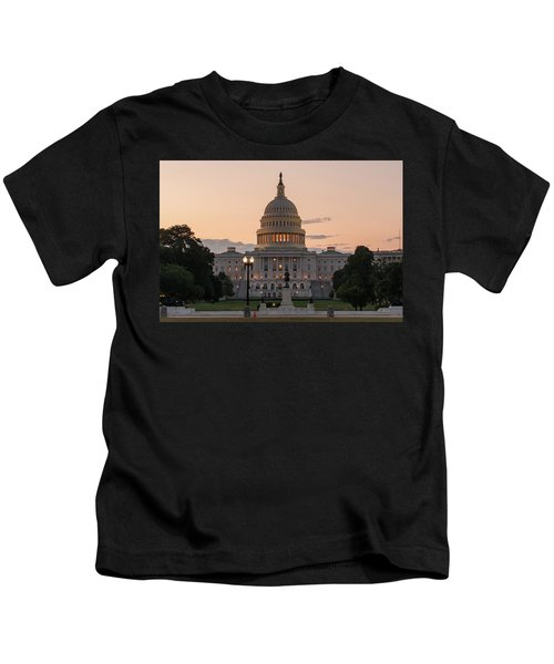 The United States Capitol At Sunrise Kids T-Shirt