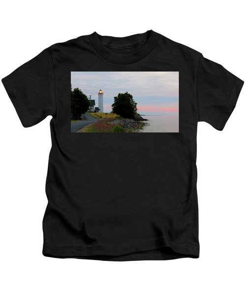 Tibbetts Point Light Sunset Kids T-Shirt
