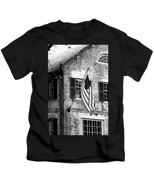 Us Flag In Colonial Williamsbug Kids T-Shirt