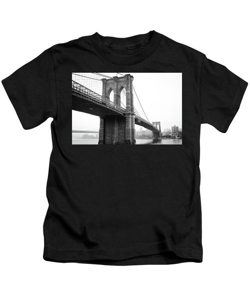 View Brooklyn Bridge With Foggy City In The Background Kids T-Shirt