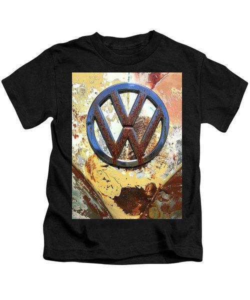 Vw Volkswagen Emblem With Rust Kids T-Shirt