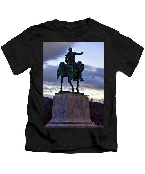 Washington Monument At West Point Kids T-Shirt