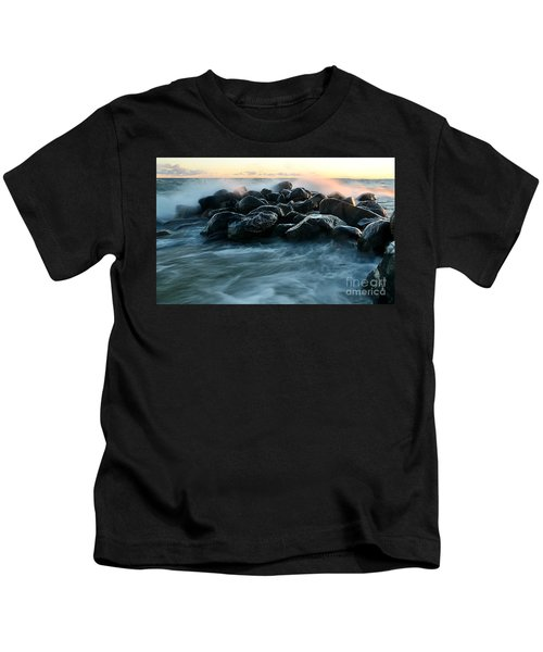 Wave Crashes Rocks 7941 Kids T-Shirt
