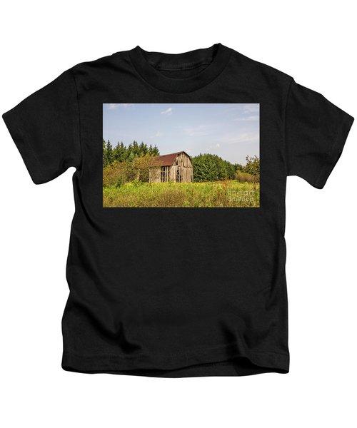 Weathered Barn Basking In The Summer Sun Kids T-Shirt