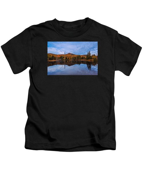 Wildlife Pond Autumn Reflection Kids T-Shirt