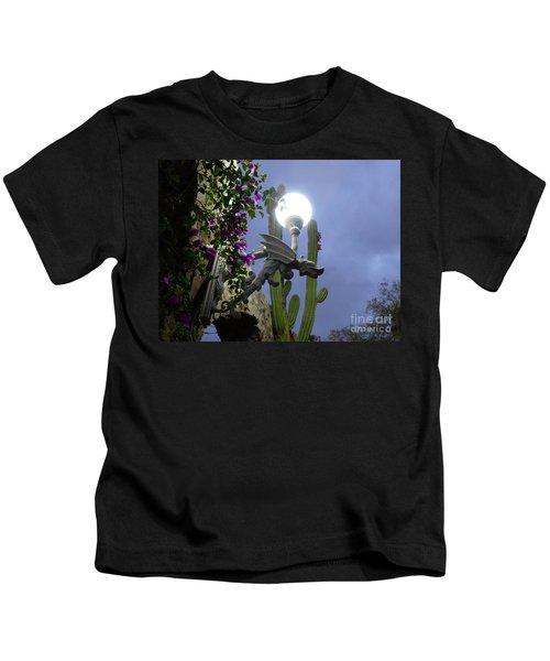Winged Gargoyle In El Fuerte Kids T-Shirt