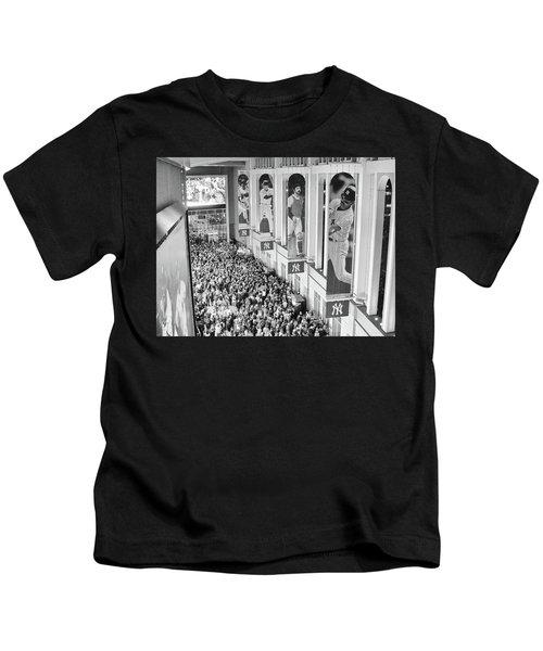 Yankee Stadium Great Hall 2009 World Series Black And White Kids T-Shirt