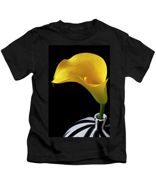 Yellow Calla Lily In Black And White Vase Kids T-Shirt
