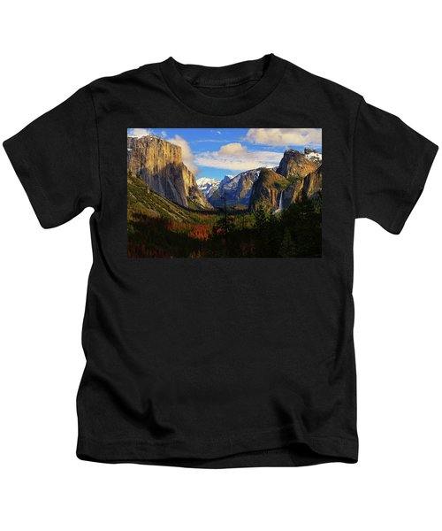 Yosemite Valley Kids T-Shirt
