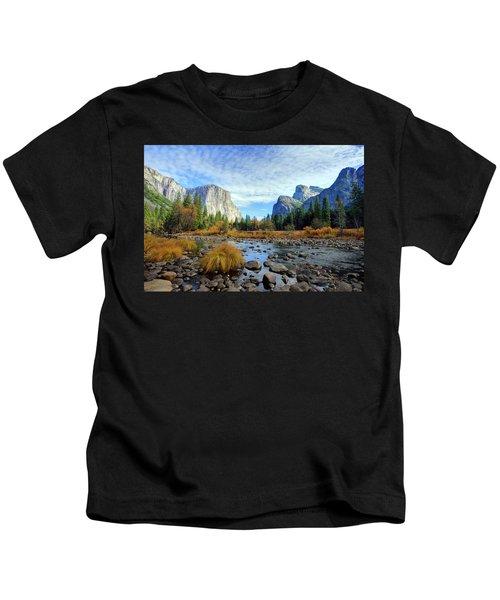 Yosemite Valley View Kids T-Shirt