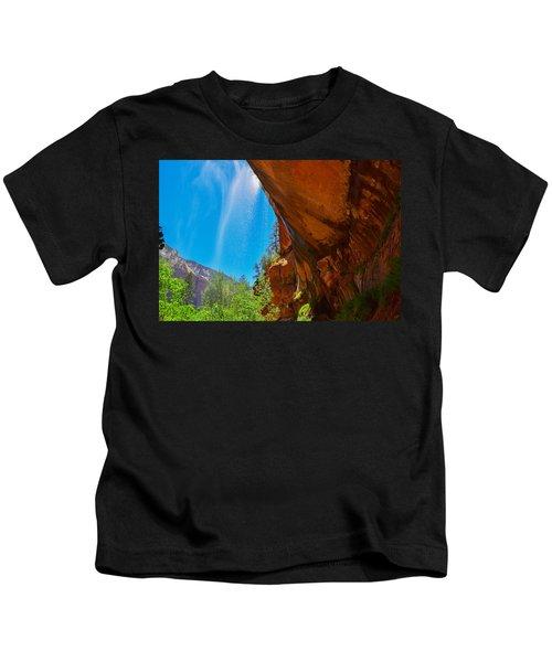 Zion - Under The Falls Kids T-Shirt