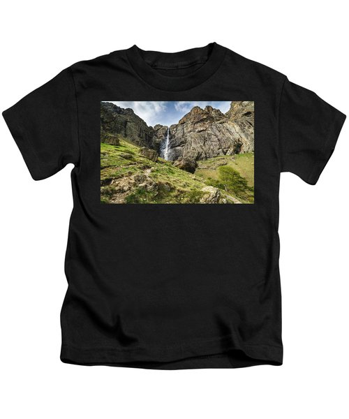 Raysko Praskalo Waterfall, Balkan Mountain Kids T-Shirt