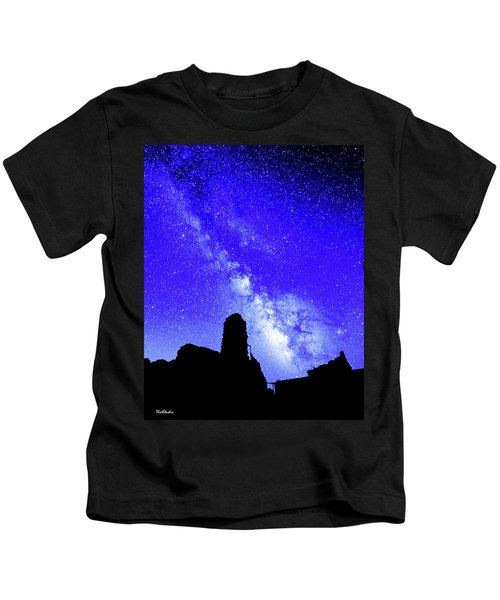 The Milky Way Over The Crest House Kids T-Shirt