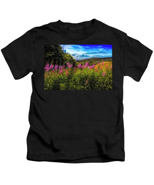 Art Photo Of Vermont Rolling Hills With Pink Flowers In The Fore Kids T-Shirt
