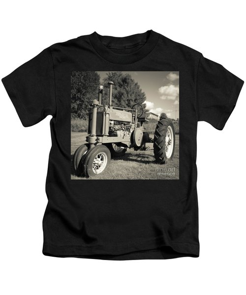 Classic Old Tractor Stowe Vermont Square Kids T-Shirt