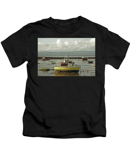 Morecambe. Boats On The Shore. Kids T-Shirt