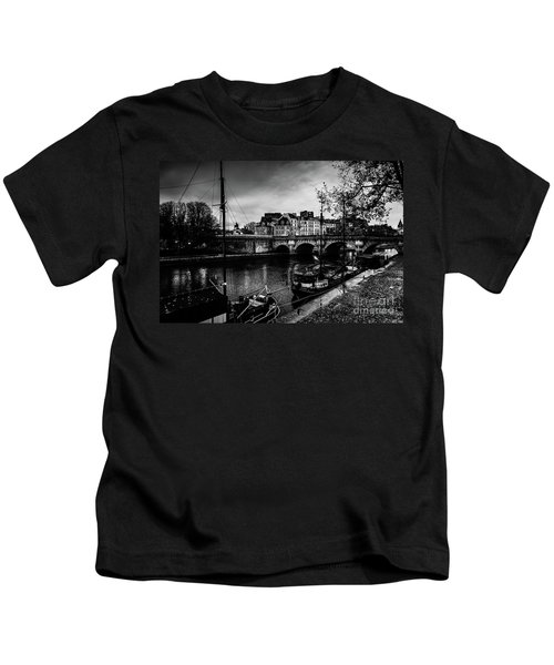 Paris At Night - Seine River Towards Pont Neuf Kids T-Shirt