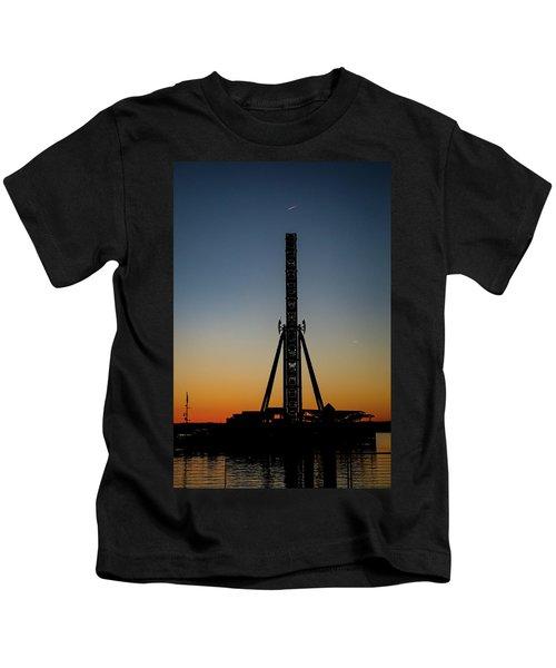 Silhouette Of A Ferris Wheel Kids T-Shirt
