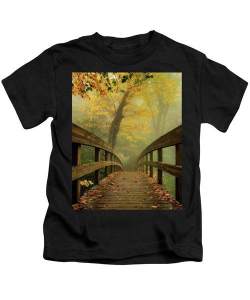 Tanawha Trail Blue Ridge Parkway - Foggy Autumn Kids T-Shirt
