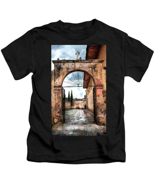 Templo Del Sagrario Kids T-Shirt