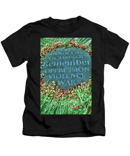 War Memorial Plaque Kids T-Shirt