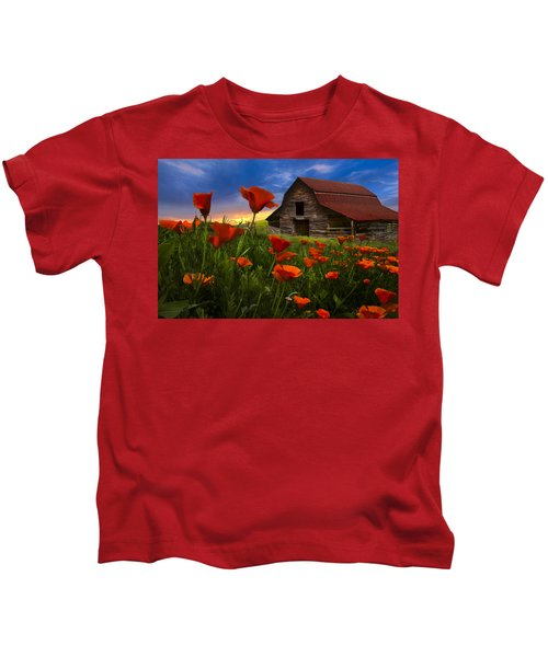 Barn In Poppies Kids T-Shirt