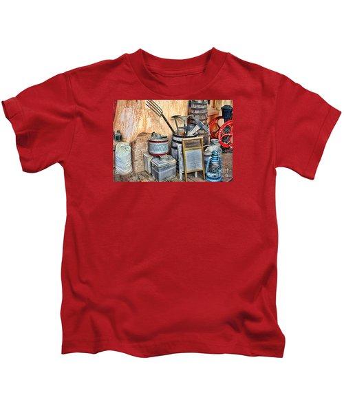 Quitting Time By Diana Sainz Kids T-Shirt