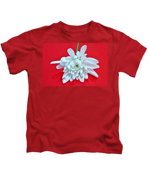 White Flower On Bright Red Background Kids T-Shirt