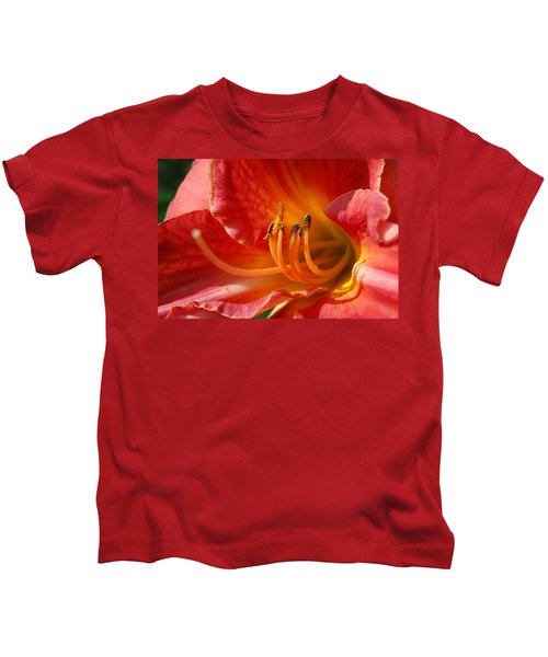 Daylilly Close Up Kids T-Shirt