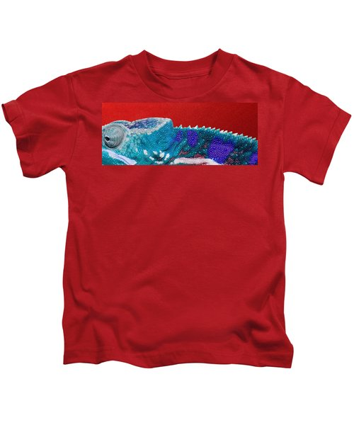 Turquoise Chameleon On Red Kids T-Shirt