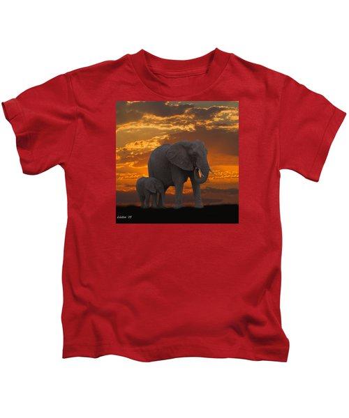 African Sunset-k Kids T-Shirt