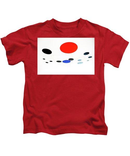 Alexander Calder Mobile 1 Kids T-Shirt