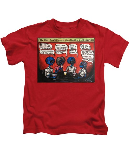Alien Couples Discuss The Earths Creatures Over Drinks Kids T-Shirt