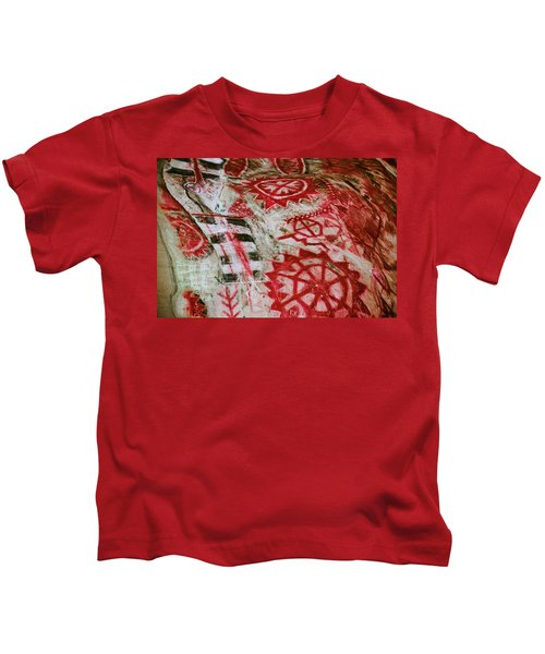 Chumash Painted Cave State Historic Park Kids T-Shirt