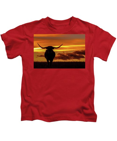 Longhorn At Sunset Kids T-Shirt