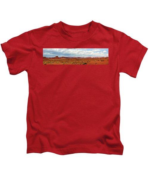 Monument Valley, Utah Kids T-Shirt