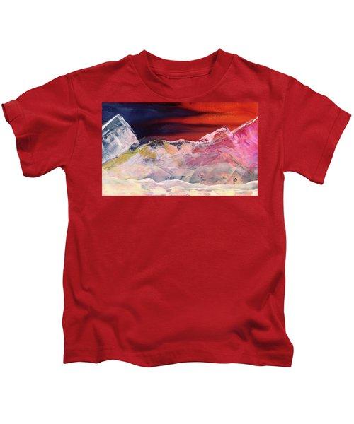 Near Arrow Mountains Kids T-Shirt