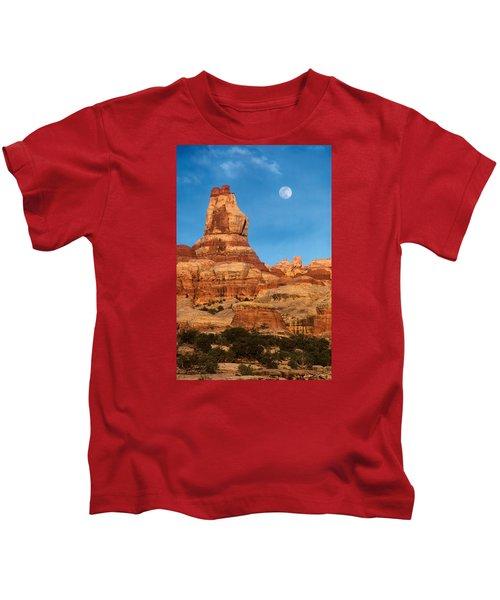 Needles Moonrise At Sunset Kids T-Shirt