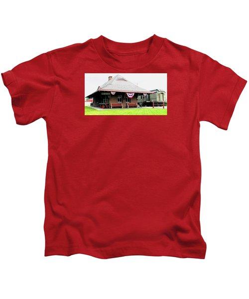 New Oxford Pennsylvania Train Station Kids T-Shirt