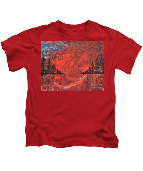 Pour - Red And Pines Kids T-Shirt