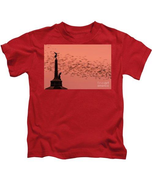 Starlings Sweeping Past Aberystwyth War Memorial Kids T-Shirt